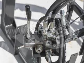 Homlokrakodó Yanmar F235D típusú kistraktorokhoz, Komondor MHR-100F235D (1)