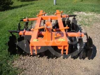 Tárcsa 160 cm-es, japán kistraktorokhoz, Komondor SFT-160 (1)