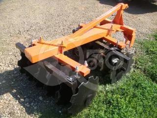 Tárcsa 90 cm-es, japán kistraktorokhoz, Komondor SFT-90 (1)