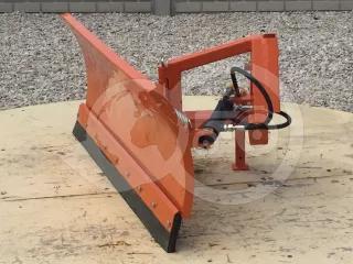 Tolólap 140cm-es, fronthidraulikára, gyorskapcsoló szerkezetre, akár 3 pontos szerszámfüggesztésre, Komondor STLR-140/F (1)
